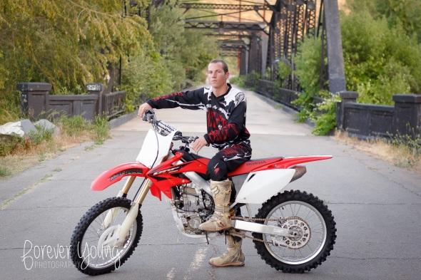 Jeff   Senior Portraits   Rancho San Diego-61