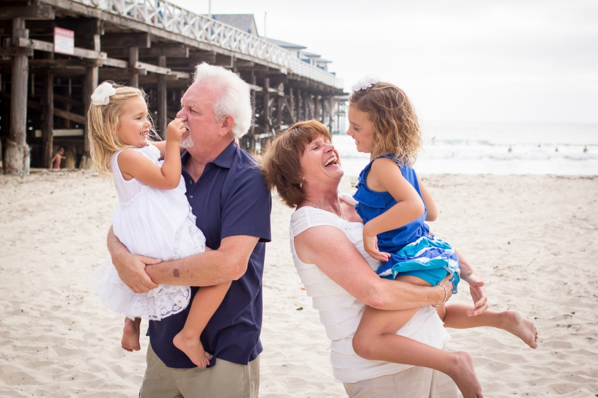 The Taylor Family | Pacific Beach | Forever Young Photography By Paige-7