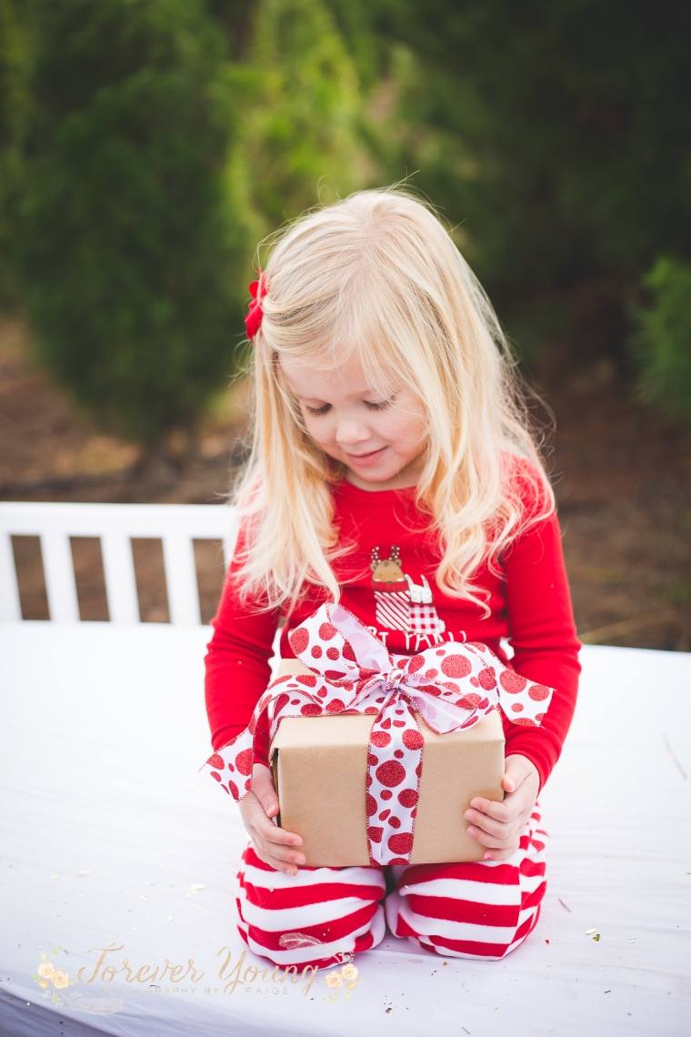 San Diego Christmas Tree Farm Photoshoot | Forever Young Photography By Paige-102