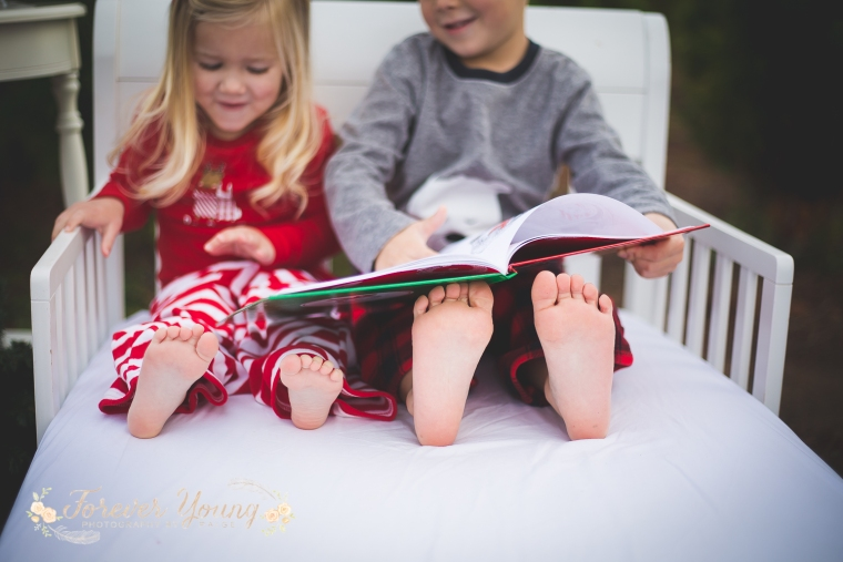 San Diego Christmas Tree Farm Photoshoot | Forever Young Photography By Paige-31