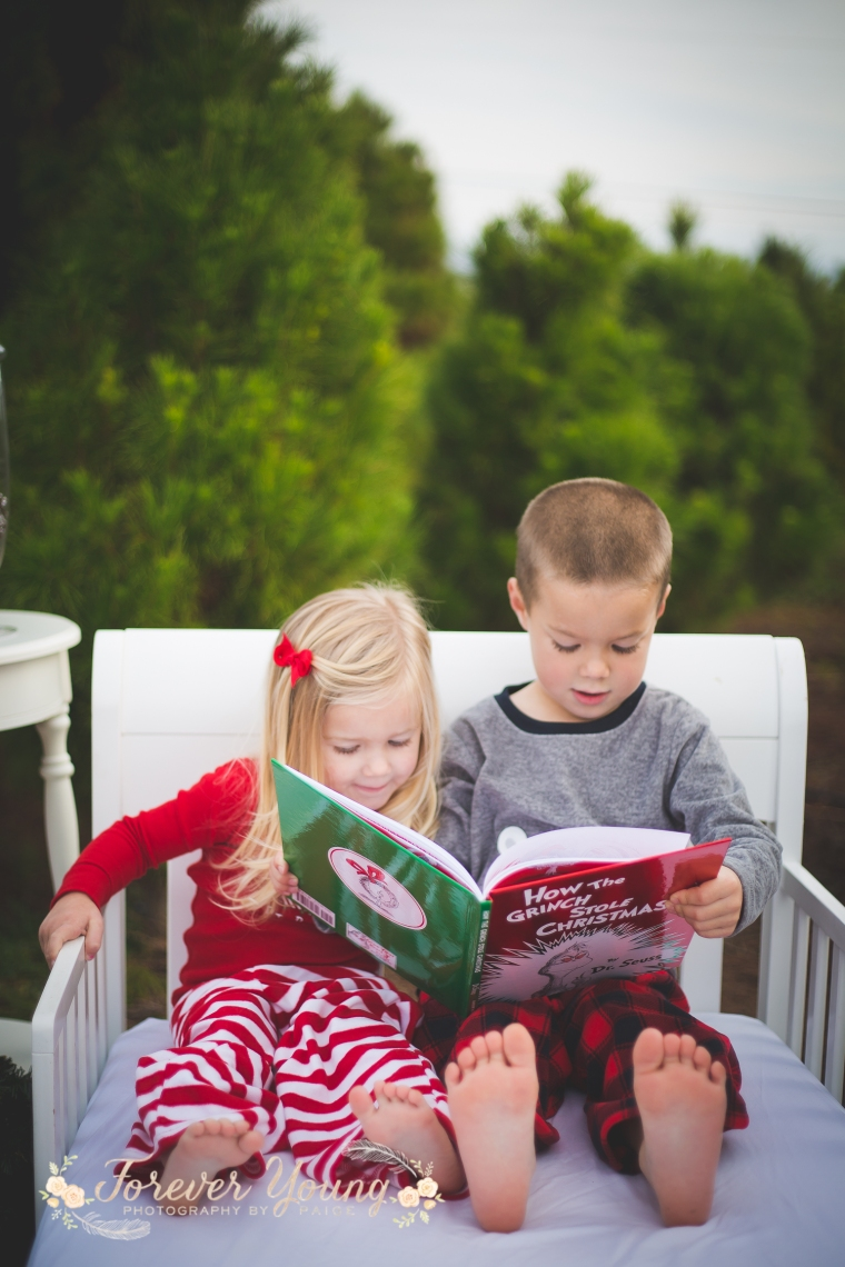 San Diego Christmas Tree Farm Photoshoot | Forever Young Photography By Paige-32