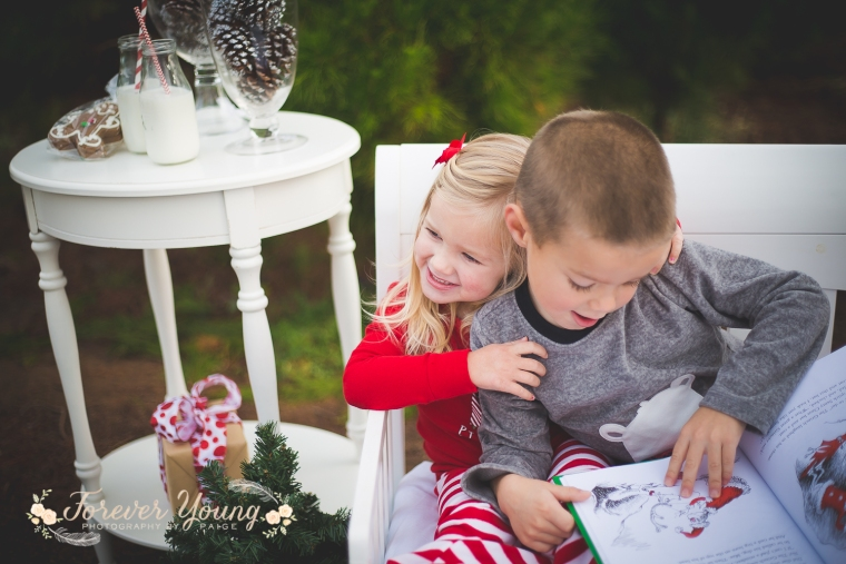 San Diego Christmas Tree Farm Photoshoot | Forever Young Photography By Paige-36