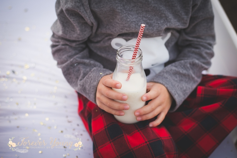 San Diego Christmas Tree Farm Photoshoot | Forever Young Photography By Paige-54