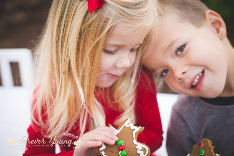 San Diego Christmas Tree Farm Photoshoot | Forever Young Photography By Paige-74