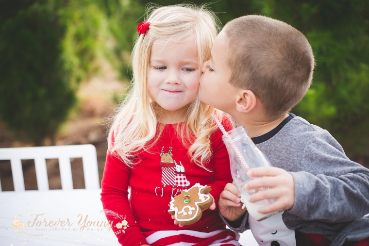 San Diego Christmas Tree Farm Photoshoot | Forever Young Photography By Paige-75