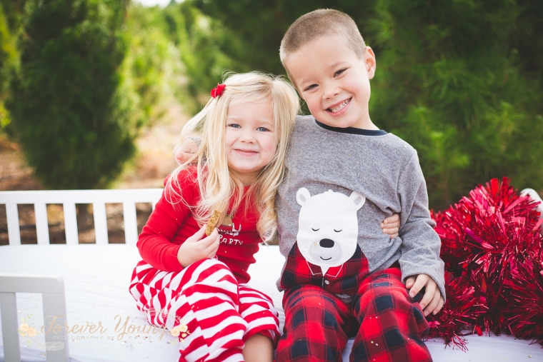 San Diego Christmas Tree Farm Photoshoot | Forever Young Photography By Paige-84