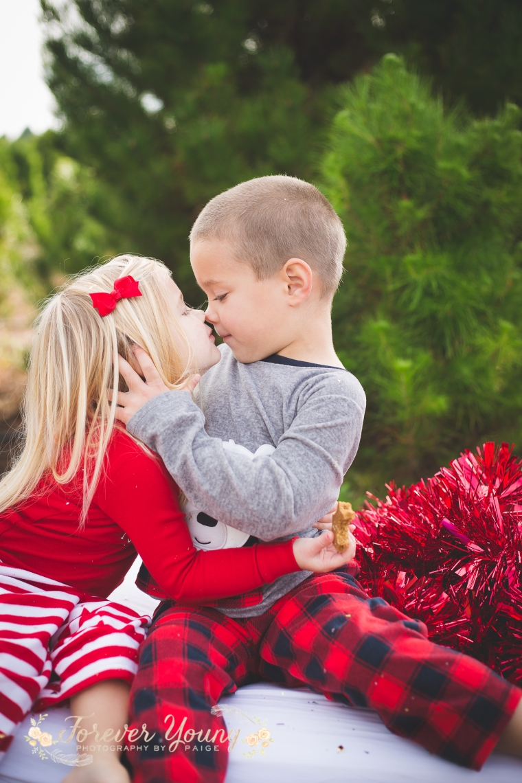 San Diego Christmas Tree Farm Photoshoot | Forever Young Photography By Paige-86